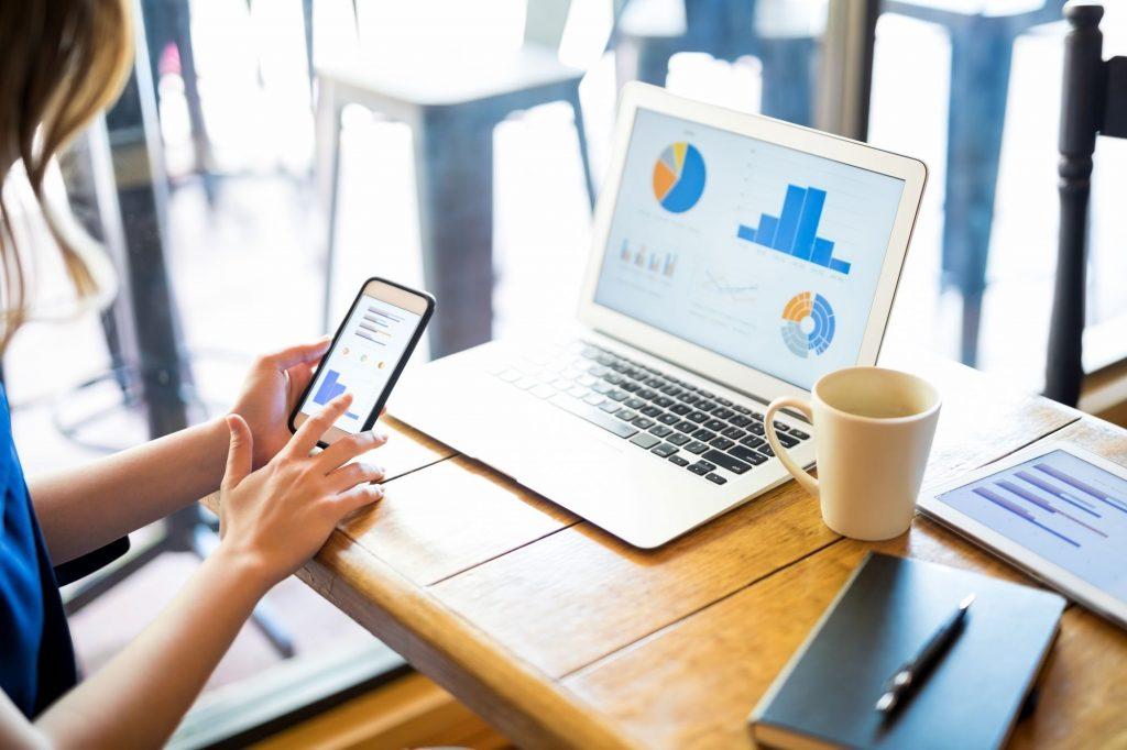 Gere seus relatórios direto pelo APP gerenciamento de decisões da sua empresa, na palma da sua mão. Informações em Tempo Real